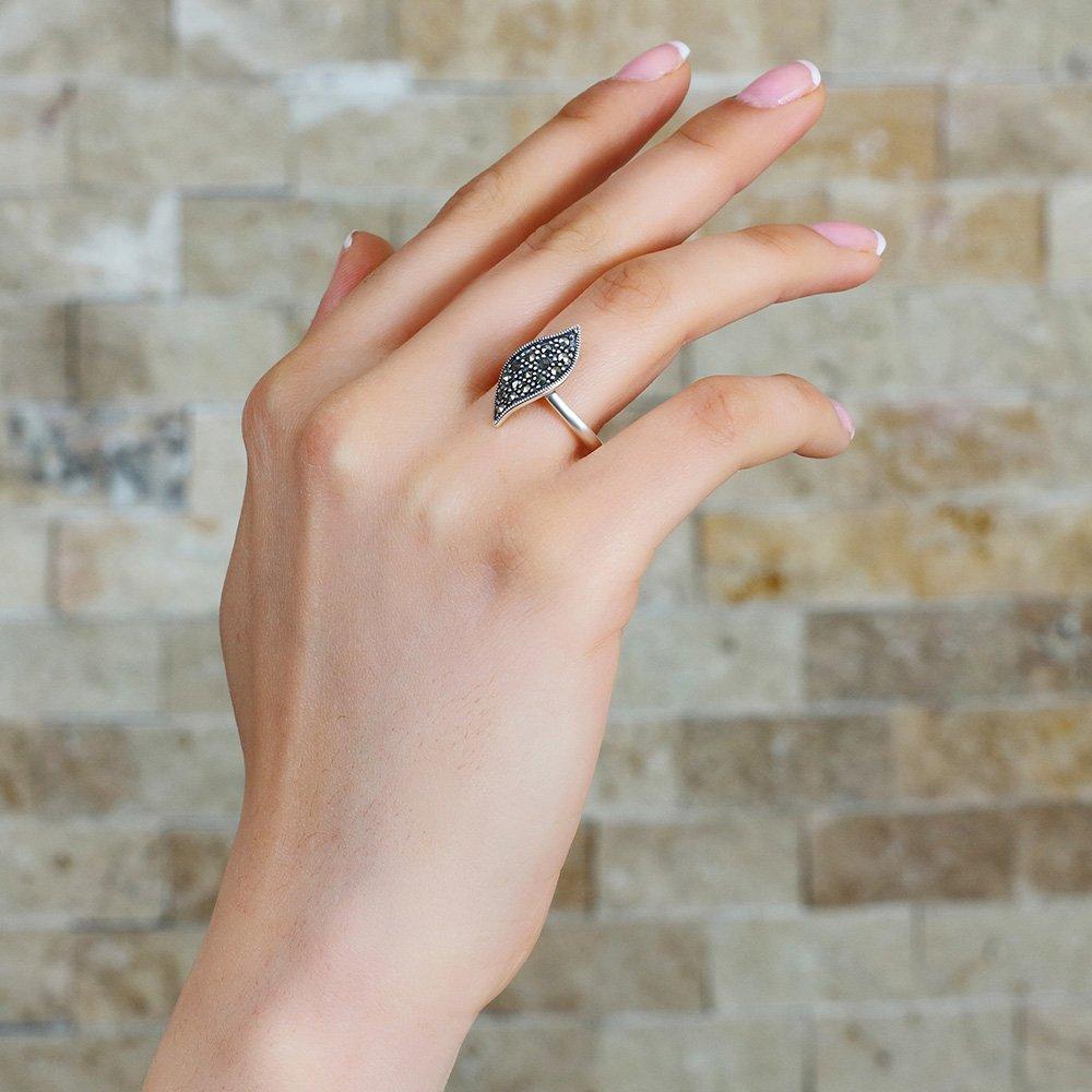 925 Ayar Gümüş Zirkon Taşlı Yaprak Tasarım Bayan Yüzük