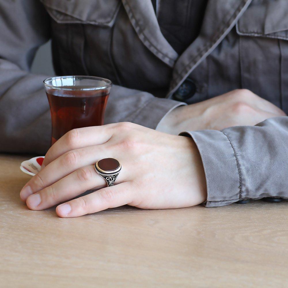 Oval Kırmızı Akik Taşlı 925 Ayar Gümüş Erkek Yüzük