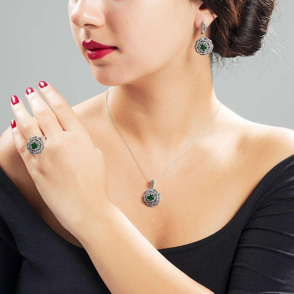 Yeşil Green Glass Taşlı Çiçek Tasarım 925 Ayar Gümüş 3'lü Takı Seti