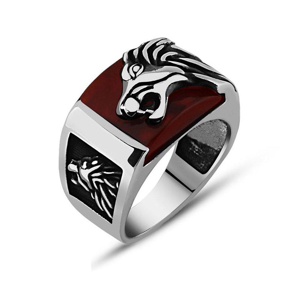 925 Ayar Gümüş Kırmızı Akik Taşı Üzerine Aslan Figürlü Yüzük