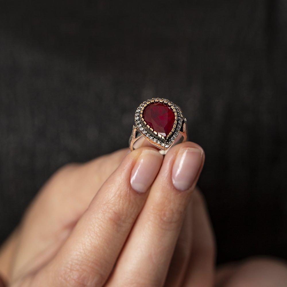 925 Ayar Gümüş Zirkon ve Ruby Taşlı Damla Tasarım Otantik Bayan Yüzük
