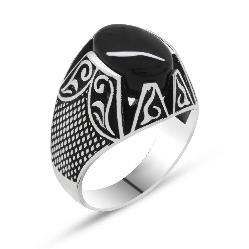 925 Ayar Gümüş Nokta İşlemeli Siyah Oniks Taşlı Erkek Yüzük
