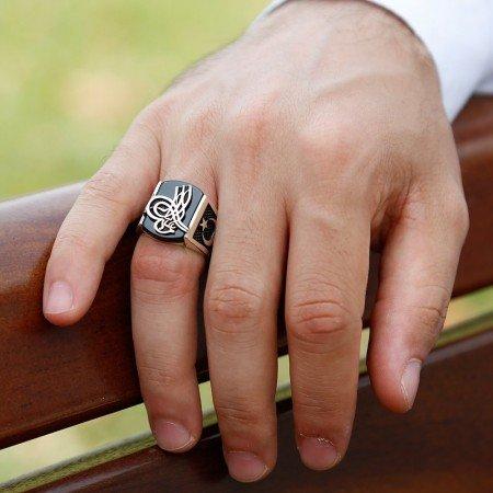 925 Ayar Gümüş Oniks Taşlı Tuğra İşlemeli Yüzük - Thumbnail