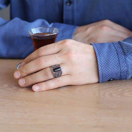 Motifli Siyah Oniks Taşlı 925 Ayar Gümüş Erkek Yüzük - Thumbnail