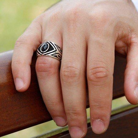 Mikron Taş İşlemeli Siyah Oniks Taşlı 925 Ayar Gümüş Erkek Yüzük - Thumbnail