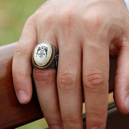 Vav İşlemeli Çift Kartal Motifli Sedef Taşlı 925 Ayar Gümüş Erkek Yüzük - Thumbnail