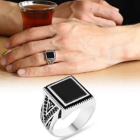 925 Ayar Gümüş Simetrik Desenli Oniks Taşlı Yüzük - Thumbnail