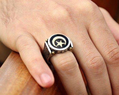 925 Ayar Gümüş Siyah Mine Üzerine Ayyıldızlı Yüzük - Thumbnail