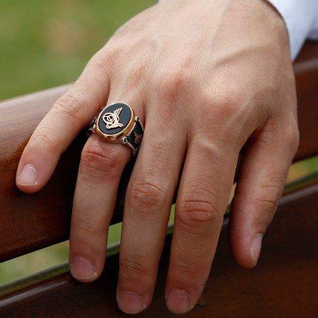 925 Ayar Gümüş Siyah Oniks Üzerine Tuğra Model Yüzük - Thumbnail