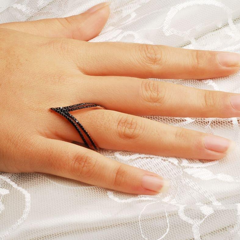 925 Ayar Gümüş Siyah Zirkon Taşlı Zilkir Model Yüzük