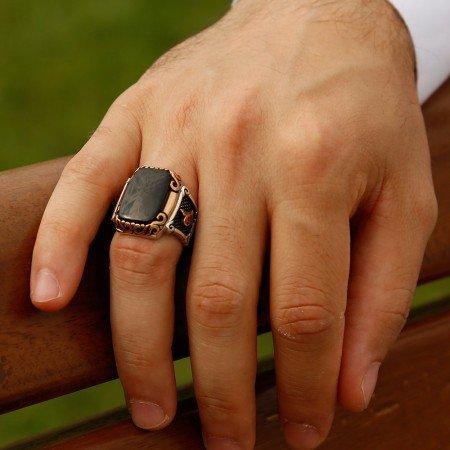 Tuğra İşlemeli Özel Tasarım Oniks Taşlı 925 Ayar Gümüş Erkek Yüzük - Thumbnail