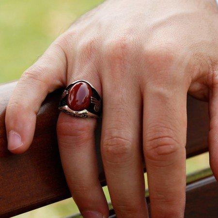 925 Ayar Gümüş Tuğra Detaylı Kırmızı Akik Taşlı Yüzük (Model-3) - Thumbnail