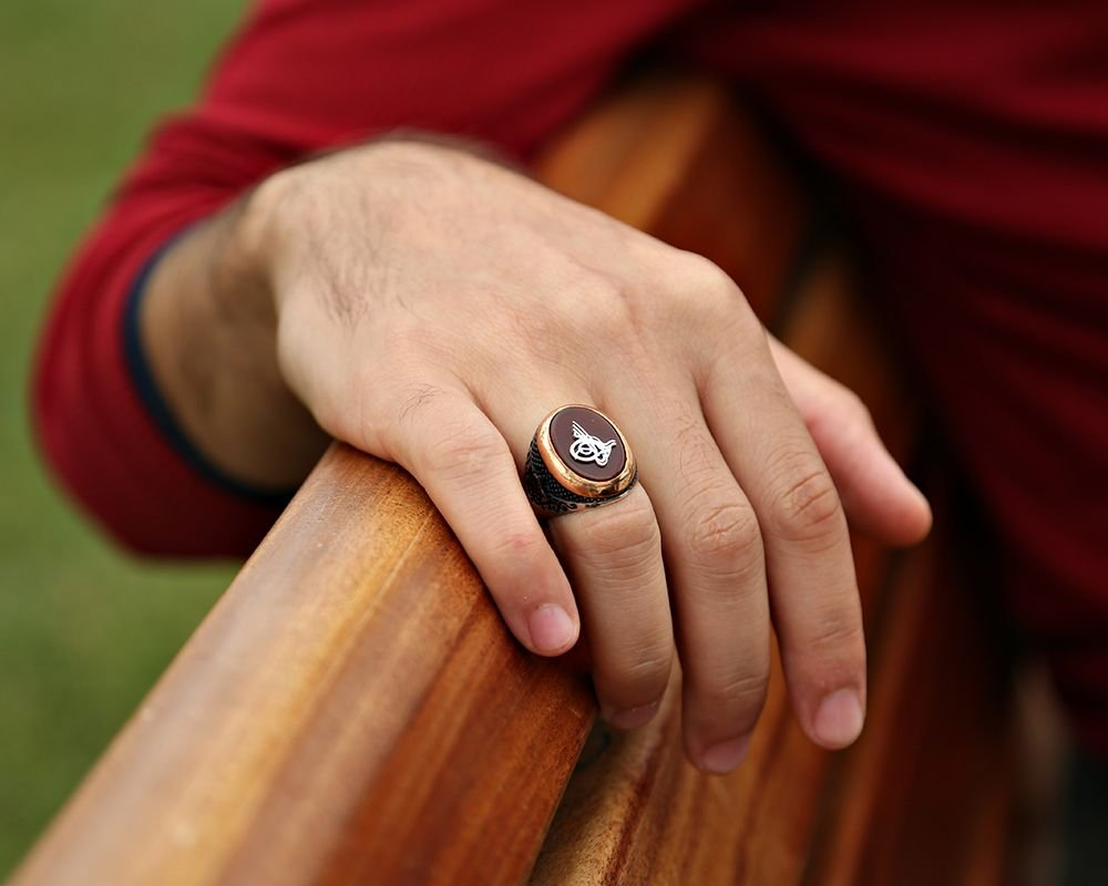 925 Ayar Gümüş Tuğra Model Oval Akik Taşlı Yüzük