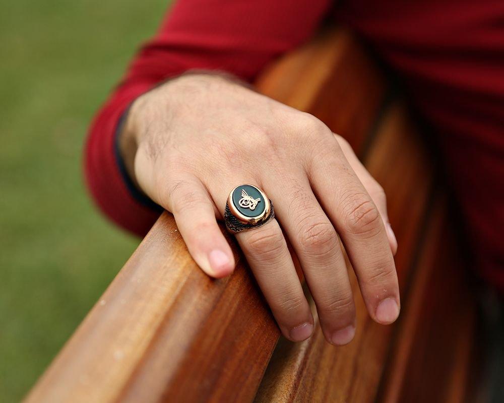 925 Ayar Gümüş Tuğra Model Yeşil Akik Taşlı Yüzük