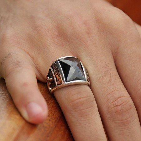 925 Ayar Gümüş Zirkon Taşlı Kristal Kesim Yüzük (Siyah) - Thumbnail