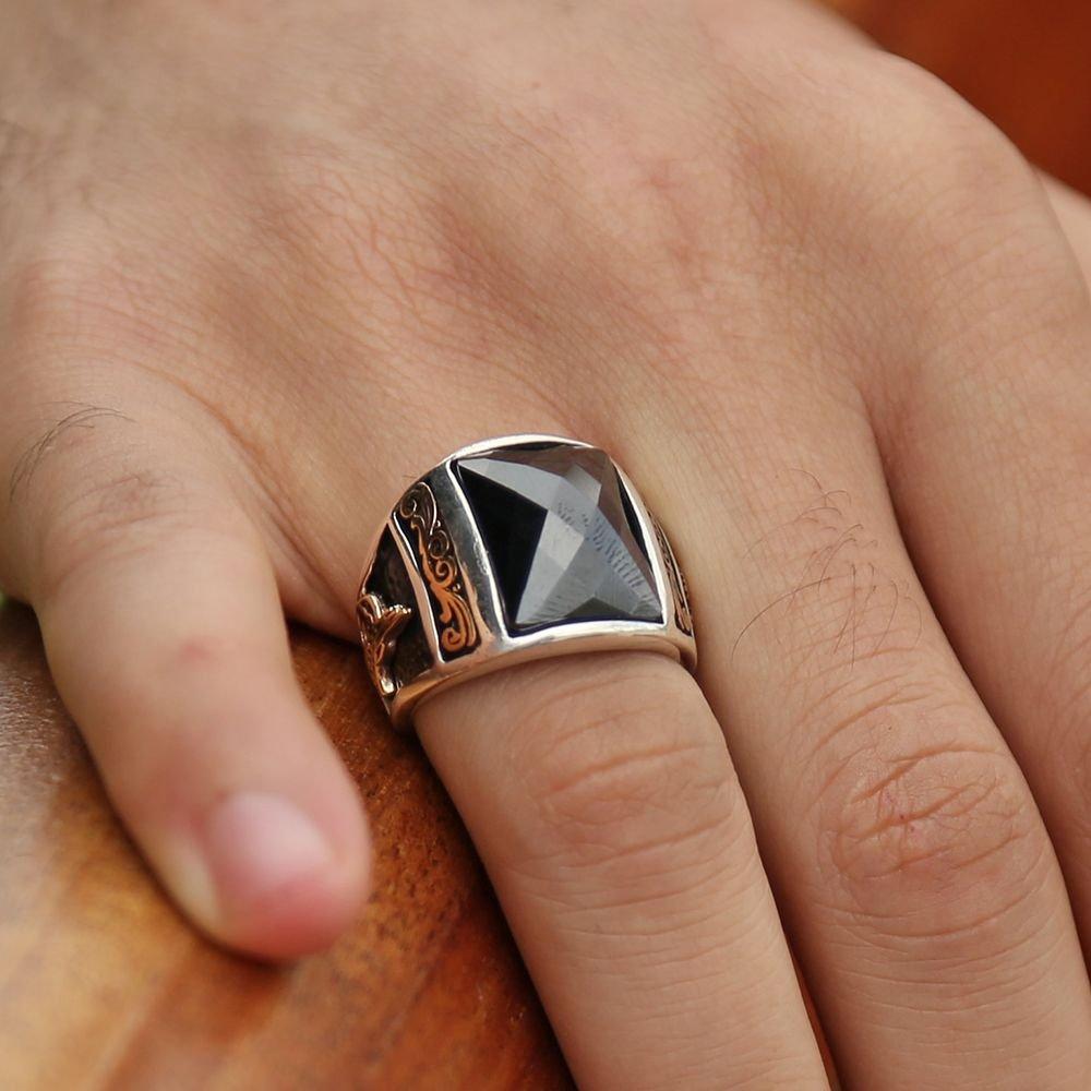 925 Ayar Gümüş Zirkon Taşlı Kristal Kesim Yüzük (Siyah)