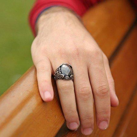 925 Ayar Gümüş Zirkon Taşlı Yüzük - Thumbnail