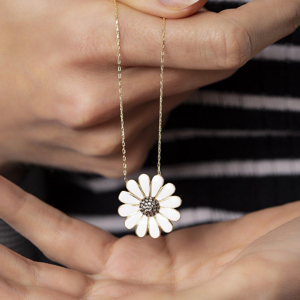 Beyaz Zirkon Taşlı Zarif Tasarım Gold Renk 925 Ayar Gümüş Papatya Kolye
