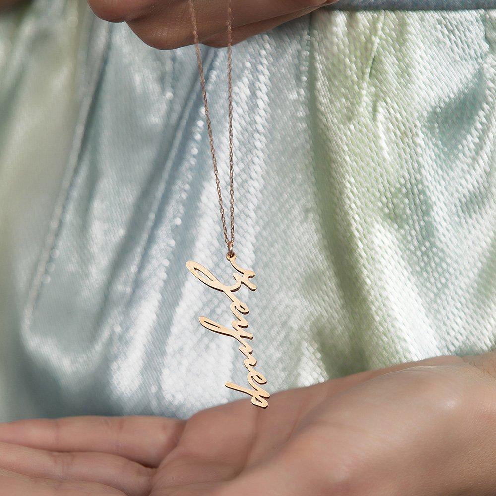 Dikey Tasarım Kişiye Özel İsim Yazılı Rose Renk 925 Ayar Gümüş Bayan Kolye