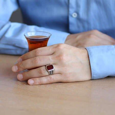 Dörtgen Tasarım Kırmızı Akik Taşlı 925 Ayar Gümüş Erkek Yüzük - Thumbnail
