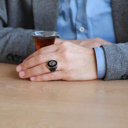 Düz Oniks Taşlı Yanları Mikro Taş Mıhlamalı 925 Ayar Gümüş Erkek Yüzük - Thumbnail