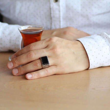 Erzurum Kalem İşlemeli Köşeli Siyah Oniks Taşlı 925 Ayar Gümüş Erkek Yüzük - Thumbnail