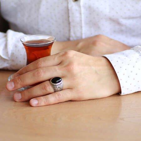 Erzurum Kalem İşlemeli Oval Siyah Oniks Taşlı 925 Ayar Gümüş Erkek Yüzük - Thumbnail