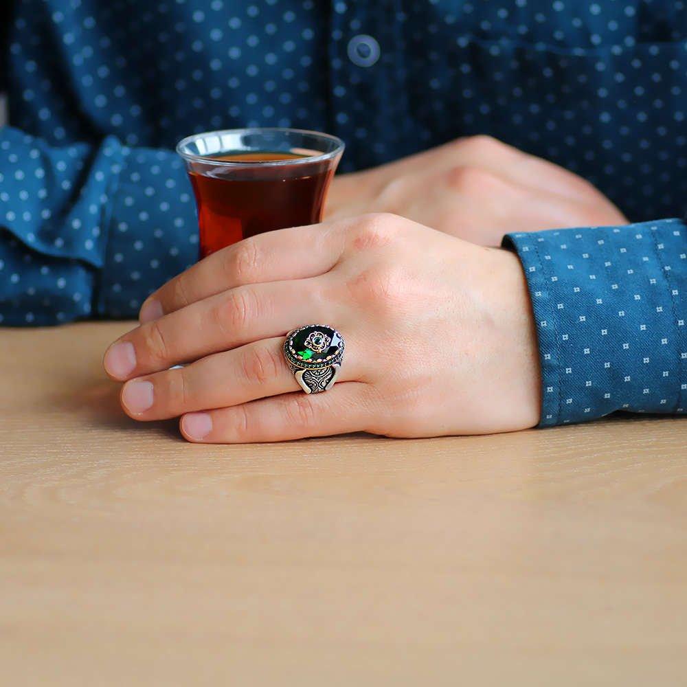 Faset Kesim Yeşil Zirkon Taşlı Mikro Taş Mıhlamalı 925 Ayar Gümüş Erkek Yüzük