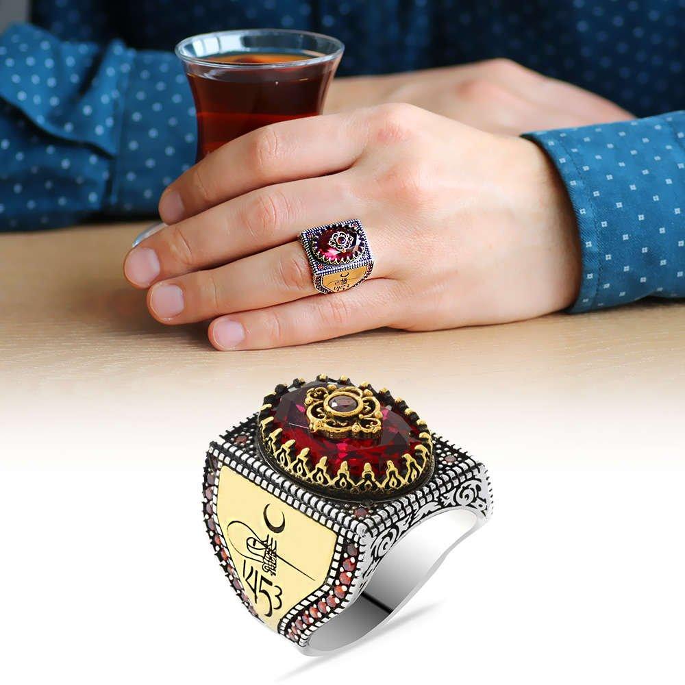 Fetih 1453 Temalı Faset Kesim Kırmızı Zirkon Taşlı 925 Ayar Gümüş Erkek Yüzük