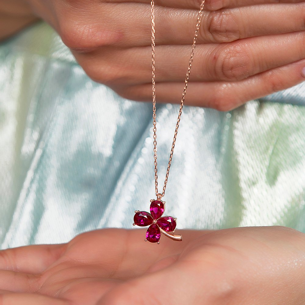 Fuşya Zirkon Taşlı Kır Çiçeği Tasarım Rose Renk 925 Ayar Gümüş Kadın Kolye