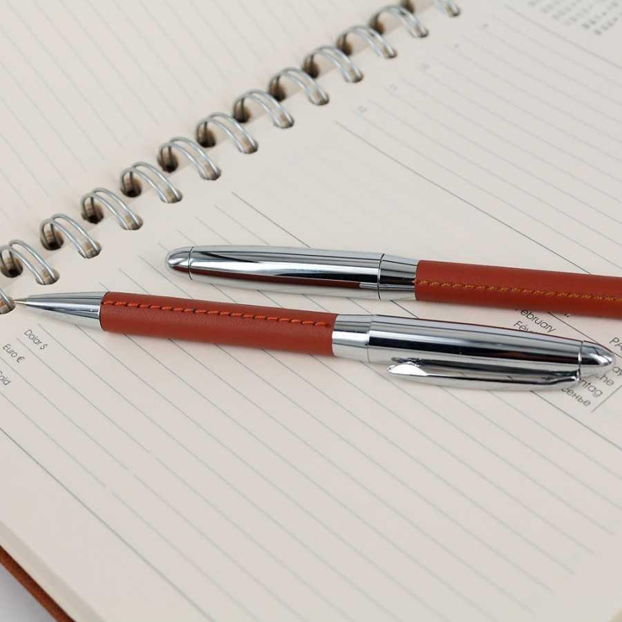 İsme özel ikili Kalem ve Anahtarlık Seti Taba