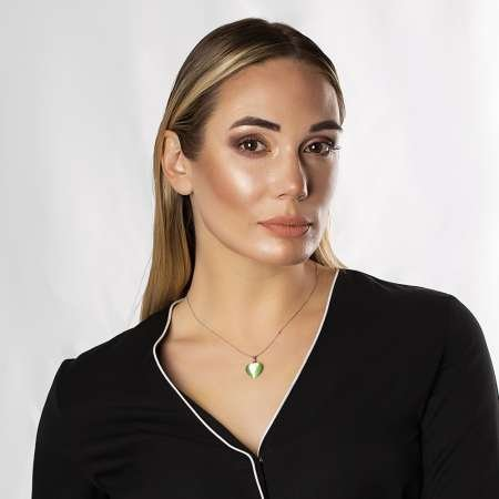 Kalp Tasarım 925 Ayar Gümüş Zincirli Çift Taraflı Fıstık Yeşil Kedigözü Kolye - Thumbnail