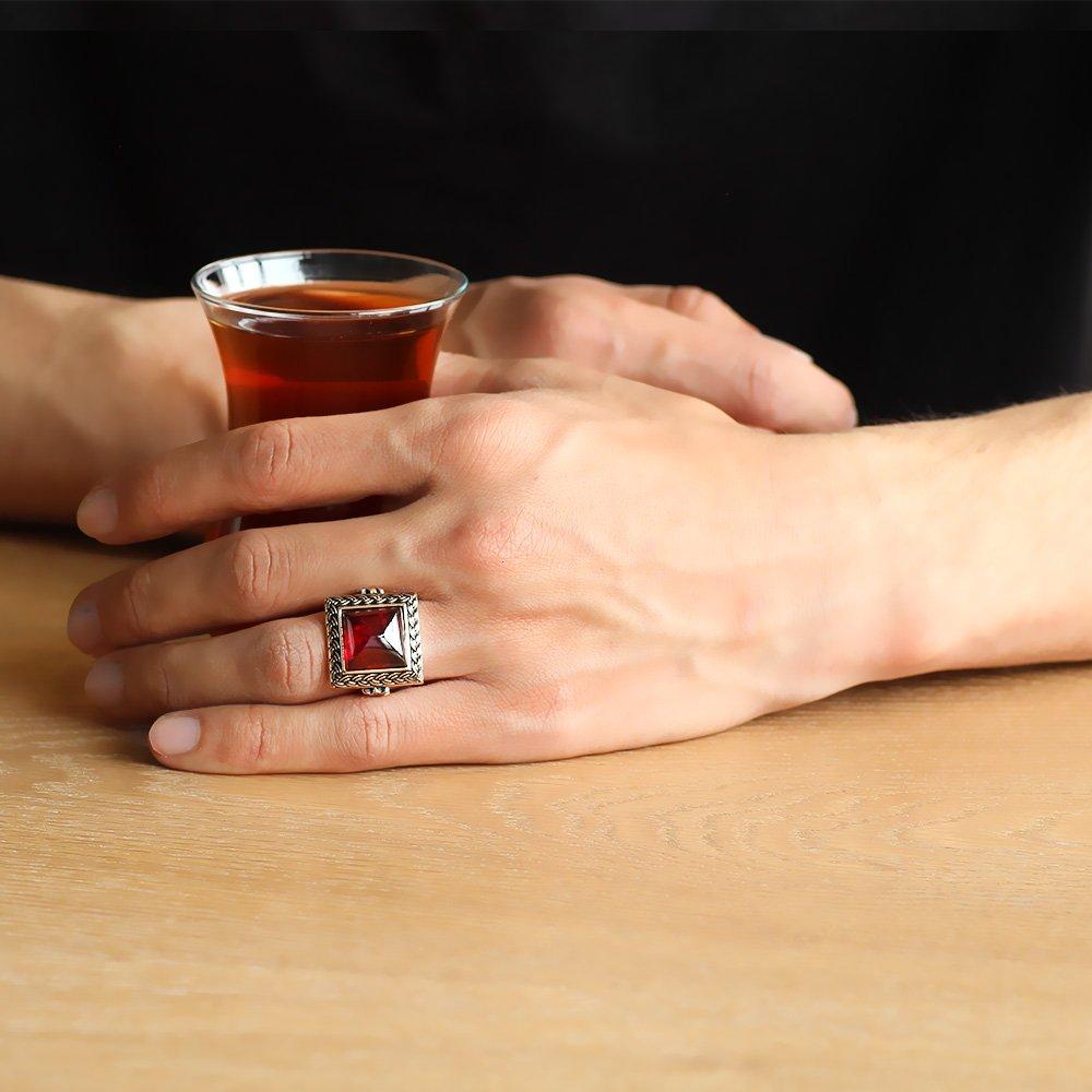 Kırmızı Ateş Kehribar Taşlı Kare Tasarım 925 Ayar Gümüş Erkek Yüzük