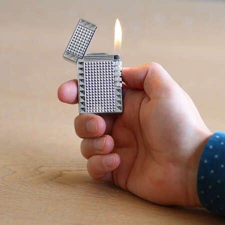 Kişiye Özel İsim Yazılı Dupont Tasarım Zenit Mekanizmalı Gümüş Renk Taşlı Metal Çakmak - Thumbnail