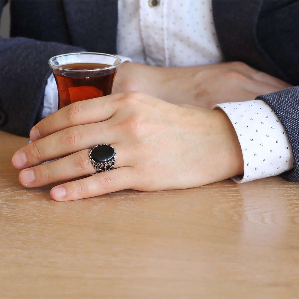 Oniks Taşlı Kılıç Tasarım 925 Ayar Gümüş Akıncı Yüzüğü