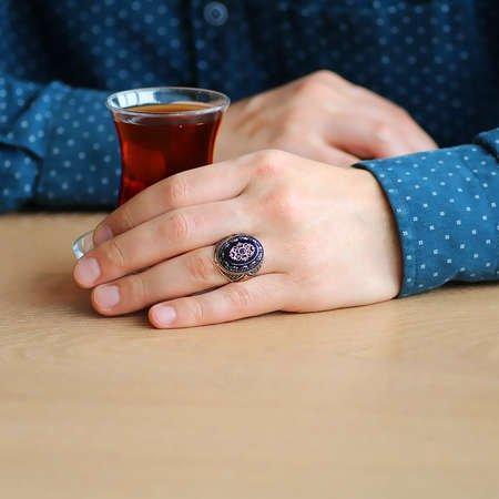 Oniks Taşlı Mikro Zirkon Taş Mıhlamalı 925 Ayar Gümüş Erkek Yüzük - Thumbnail