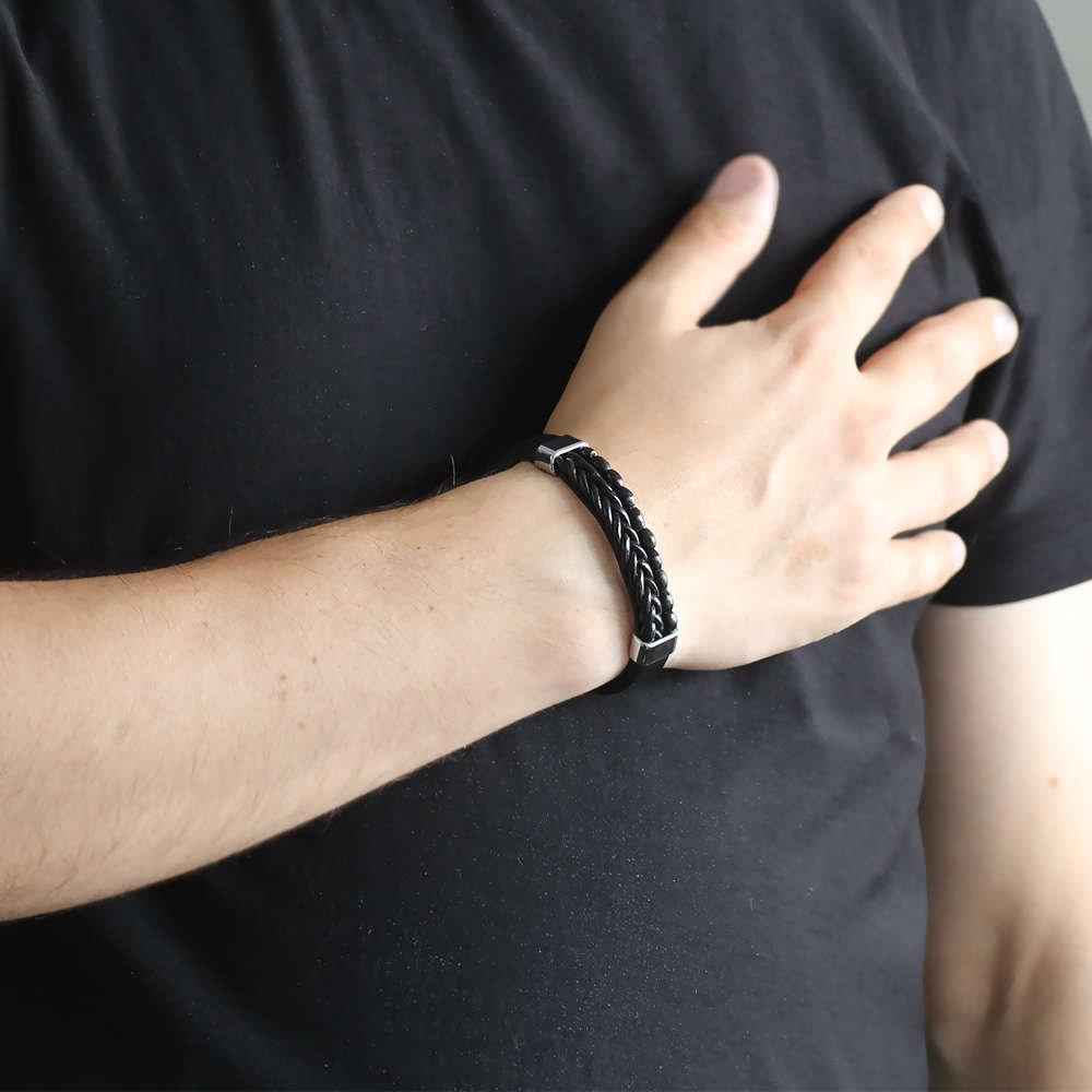 Hasır Tasarım Kuka İşlemeli Siyah Çelik-Deri Kombinli Erkek Bileklik