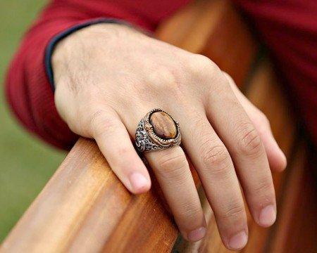 Vav İşlemeli Kaplangözü Taşlı 925 Ayar Gümüş Erkek Yüzük - Thumbnail