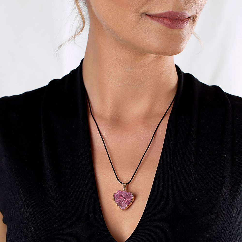 Pembe Kristal Mineral Doğaltaş Kalp Tasarım Bayan Kolye