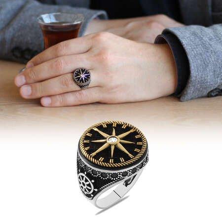 Pusula Tasarım Yanları Siyah Zirkon Taş Mıhlamalı 925 Ayar Gümüş Erkek Yüzük - Thumbnail