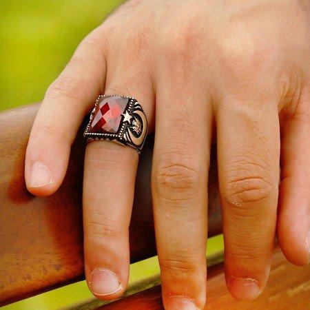 Tuğra ve Ayyıldız İşlemeli Kırmızı Zirkon Taşlı 925 Ayar Gümüş Yüzük - Thumbnail