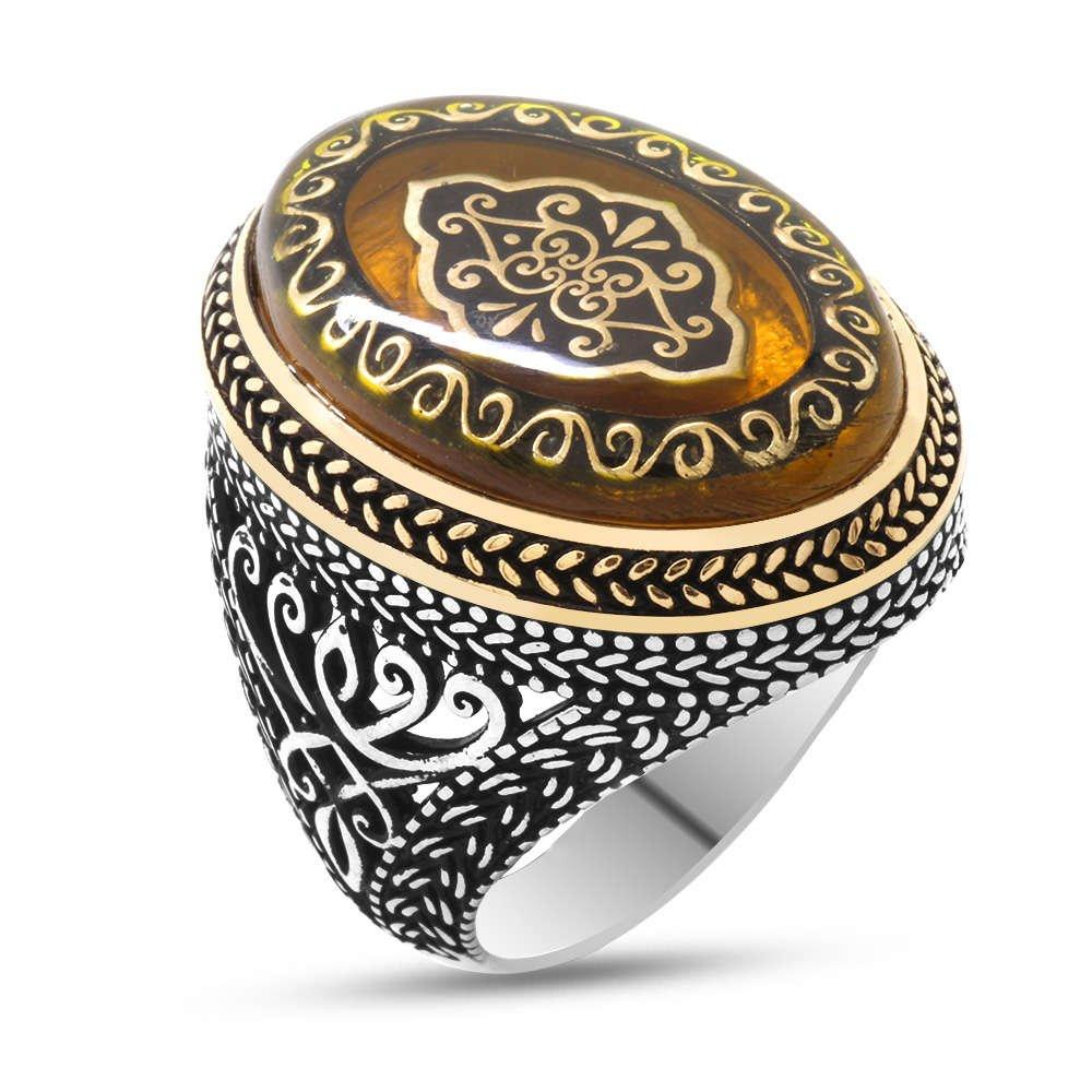 Sarı Kehribar İçine Selçuklu Deseni İşlemeli 925 Ayar Gümüş Erkek Yüzük
