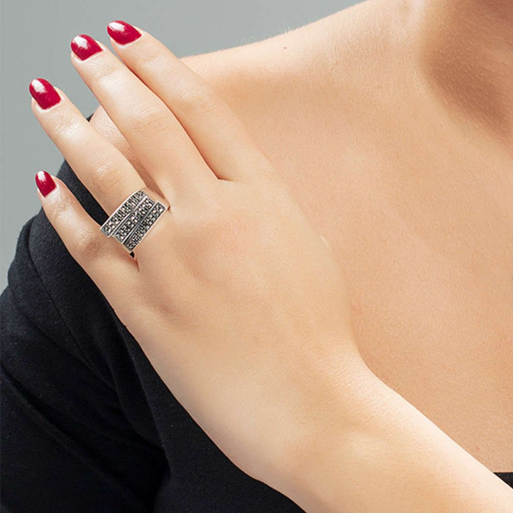 Siyah Markazit Taşlı 925 Ayar Gümüş Bayan Yüzük