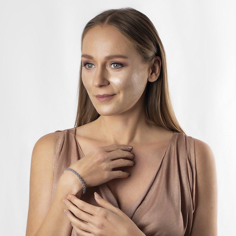 Siyah Zirkon Taşlı Çiçek Tasarım Tam Tur 925 Ayar Gümüş Kadın Bileklik