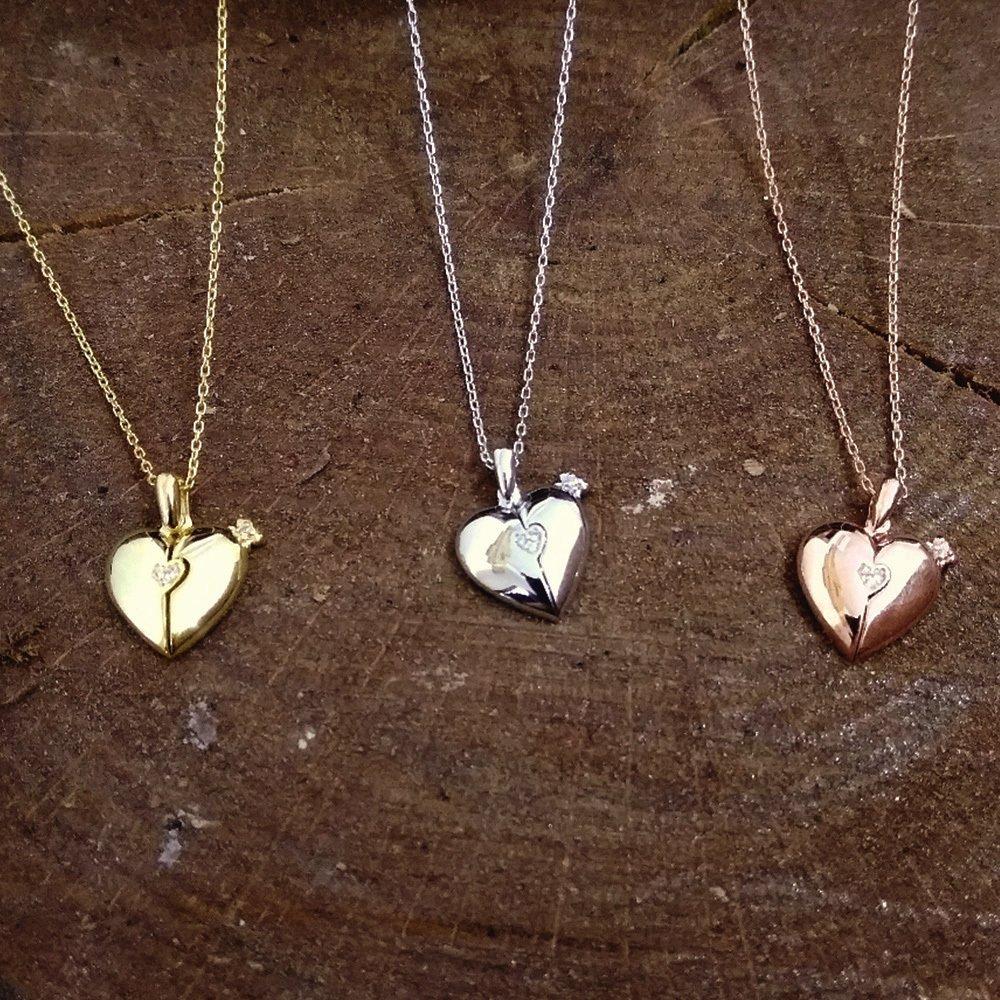 Zirkon Taşlı Açılır Kalp Kişiye Özel İsim Yazılı 925 Ayar Gümüş Kolye