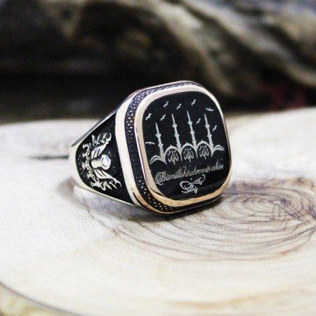 Kişiye Özel İsim/Resim Motifli Arma İşlemeli Mineli 925 Ayar Gümüş Erkek Yüzük - Thumbnail