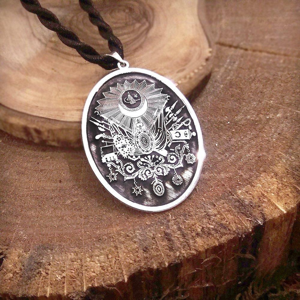 Madalyon Tasarım Kişiye Özel İsim Yazılı 925 Ayar Gümüş Kolye