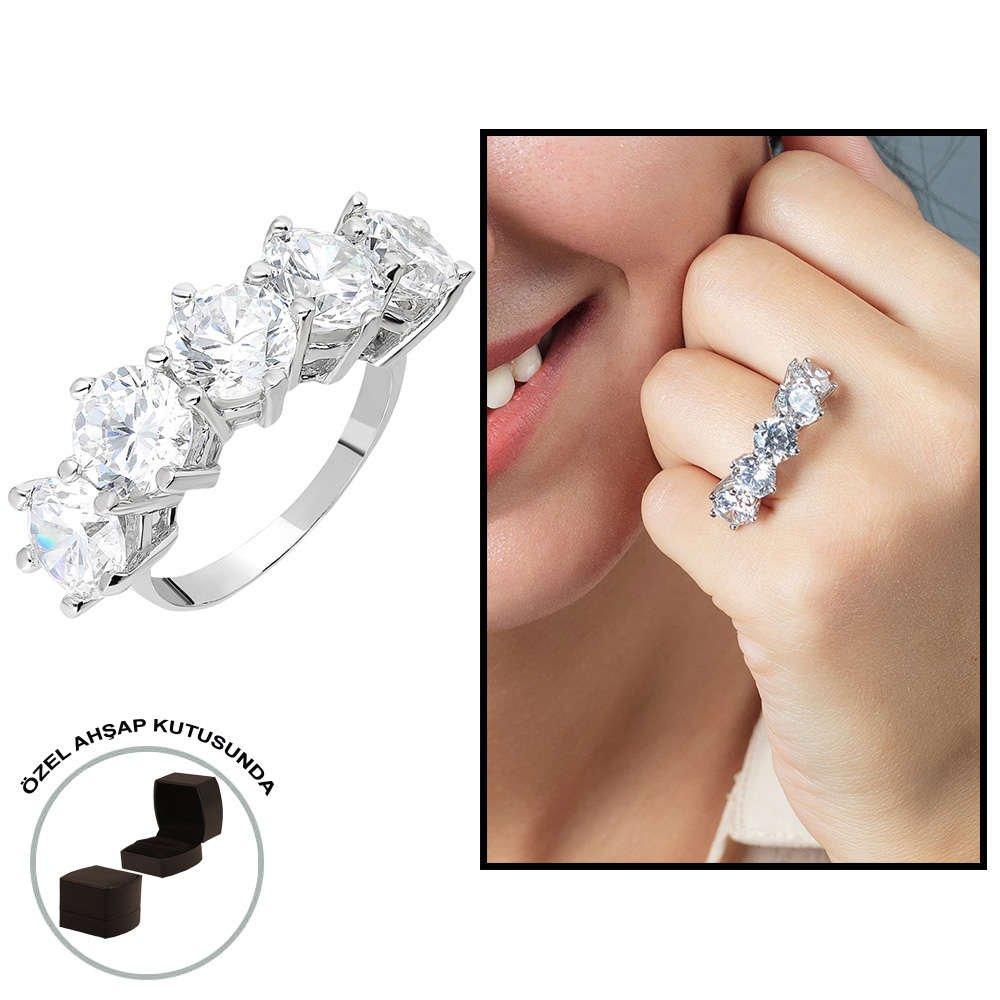 Starlight Diamond Pırlanta Montür 925 Ayar Gümüş Bayan Baget Yüzük