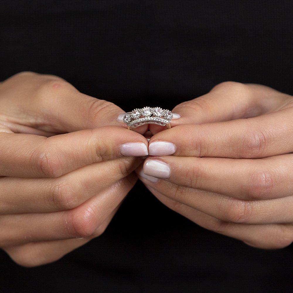 Starlight Diamond Pırlanta Montür Damla Tasarım 925 Ayar Gümüş Kadın Beştaş Yüzük