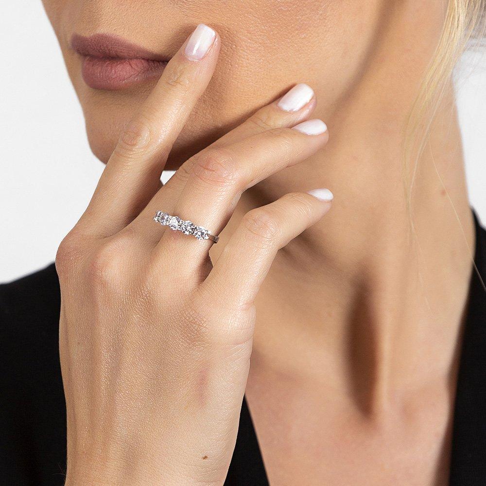 Starlight Diamond Pırlanta Montür Mikro Taşlı Zarif Tasarım 925 Ayar Gümüş Kadın Beştaş Yüzük